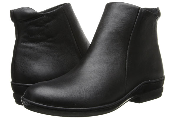 Simple-Black-Ankle-Boots-Wide