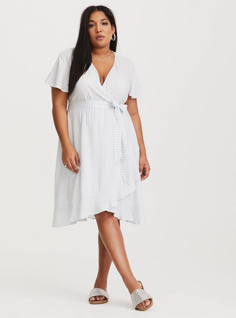 Best Dresses For Plus Size Apple Shapes