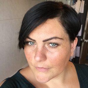 13 Short Haircuts for Plus Size Women
